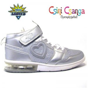 Ezüst világítós Primigi cipő