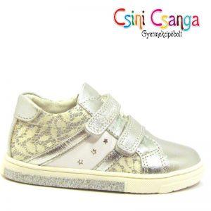 Ezüst csipkés Primigi cipő